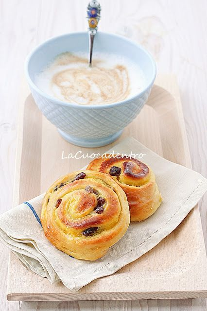 Girelle crema e uvetta | La Cuoca Dentro