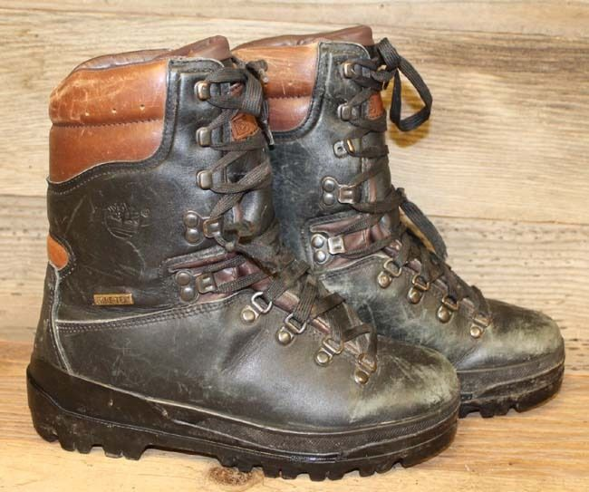 MENS BLACK LEATHER TIMBERLAND GORE-TEX HIKING/OUTDOORS/CAMPING BOOTS SZ 7 #Timberland #HikingTrail