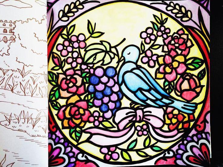 ・ ・ 〜教会のステンドグラス〜 ・ 少し加工したver. ステンドグラスに見えるように 光ってるっぽく見えるフィルター 通してみました\(^o^)/ ・ なんかズルしてるみたいで 普段は基本ノンフィルターですが、 こうやってフィルターで遊ぶのも楽しいな♡ ・ ・ #ここっと #ロマンティックカントリー #コロリアージュ #大人の塗り絵 #水彩色鉛筆 #coloriage #coloringbook #ステンドグラス風