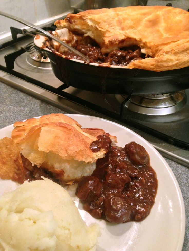 steak and kidney pie with bacon and mushrooms