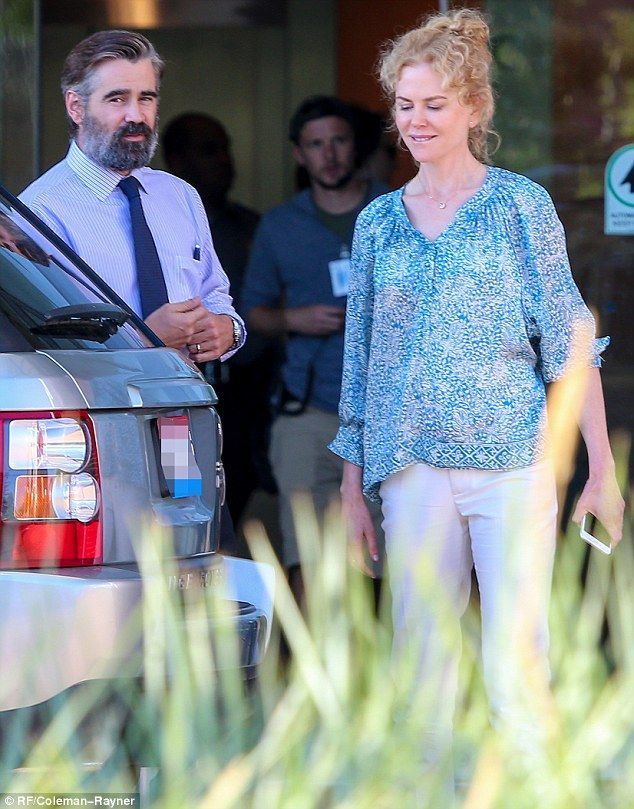 They look like the neighbors: Nicole Kidman and Colin Farrell were dressed…