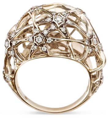 Copernicus Collection. Ring in 18K polished noble gold with darkened finish and white diamonds by H.Stern.