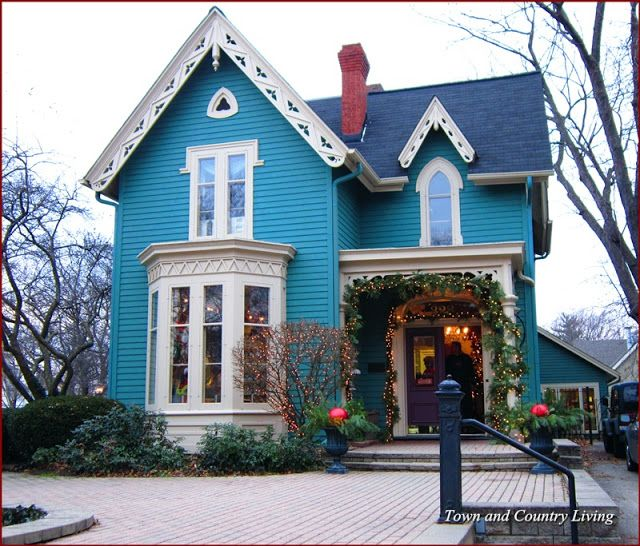 Beautiful teal-colored Victorian home turned into shop in Geneva, Illinois