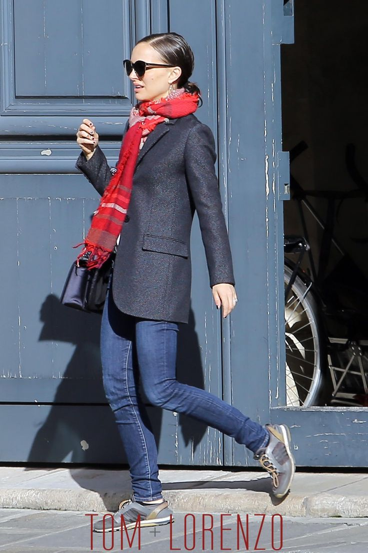 Natalie-Portman-GOTS-Paris-Street-Style-Tom-Lorenzo-Site (1)
