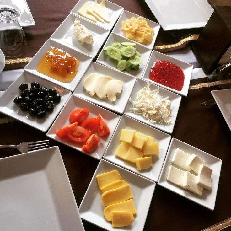 Otelin Kars Kahvaltısı