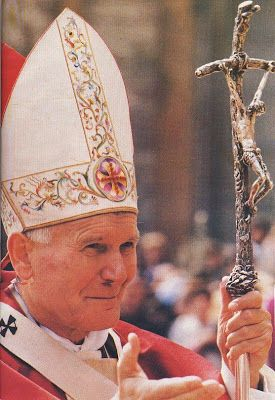 SHAMPOO MADU KUTU RAMBUT: Simbol Konspirasi Rahasia di Gereja Katolik Vatika...