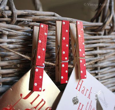 (via Vintage Amethyst)  What a wonderful simple way to display your Christmas Cards Simple Polka Dot Painted Pegs & String.