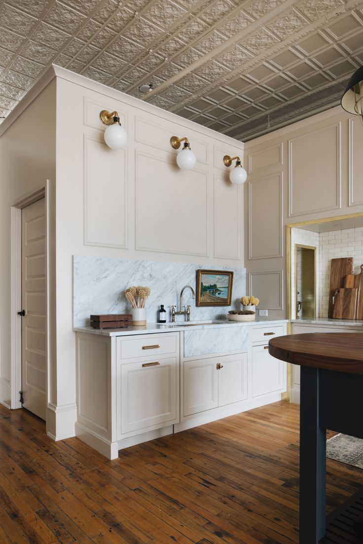 Neutral Kitchen Design Kitchen Makeover English Cottage Kitchen Remodel By Jean Stoffer Des In 2020 Replacing Kitchen Countertops Kitchen Design Kitchen Design Color