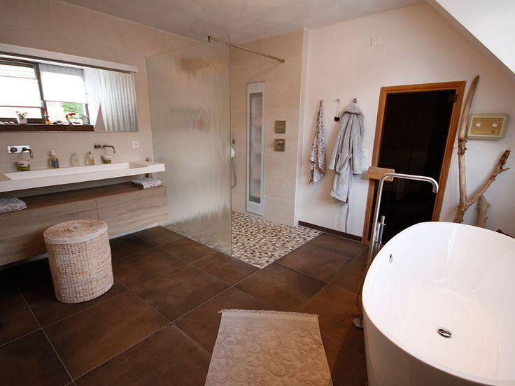 Het was de wens van de klant om in combinatie met de bestaande sauna een relax ruimte te creëren.