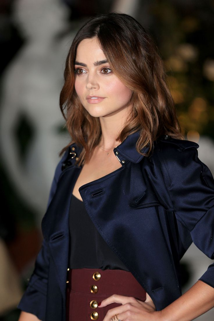 September 19: London Fashion Week - Burberry Show - 0919 lwf burberry 0016 - Jenna Coleman Online