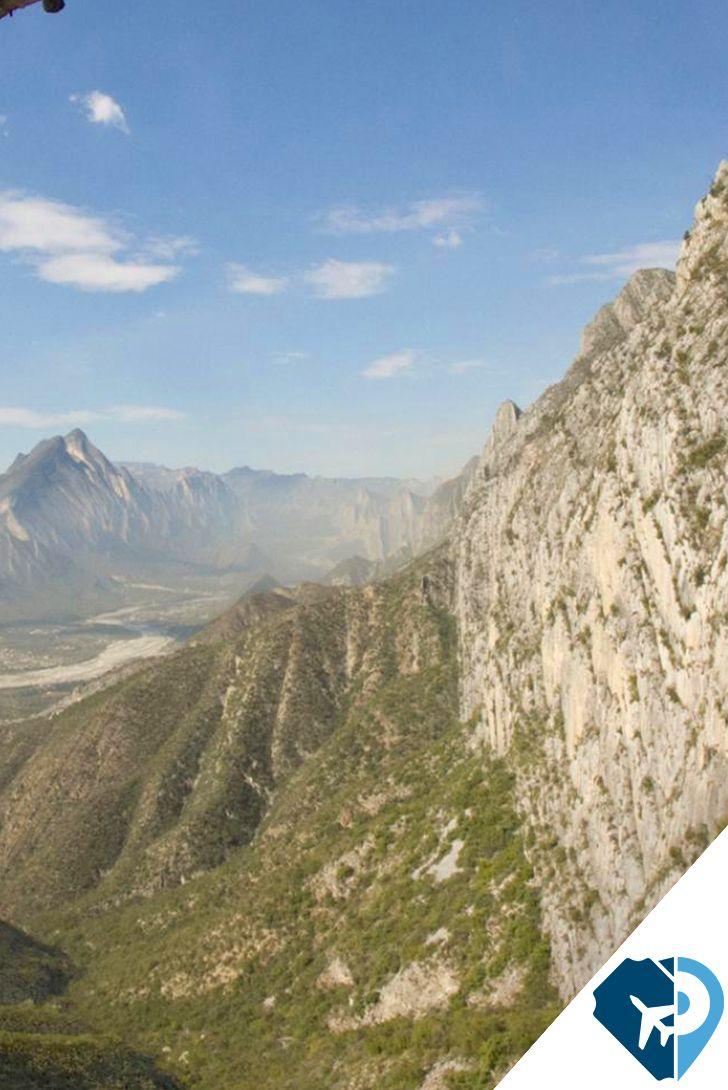 Cueva de la Virgen, Monterrey, México. Este famoso recorrido se encuentra en el parque nacional de la Huasteca en Monterrey. Consiste en subir hasta esta cueva y apreciar las hermosas vistas que nos regala, y para bajar, haremos 3 rappeles de 30m para sentir toda la adrenalina.