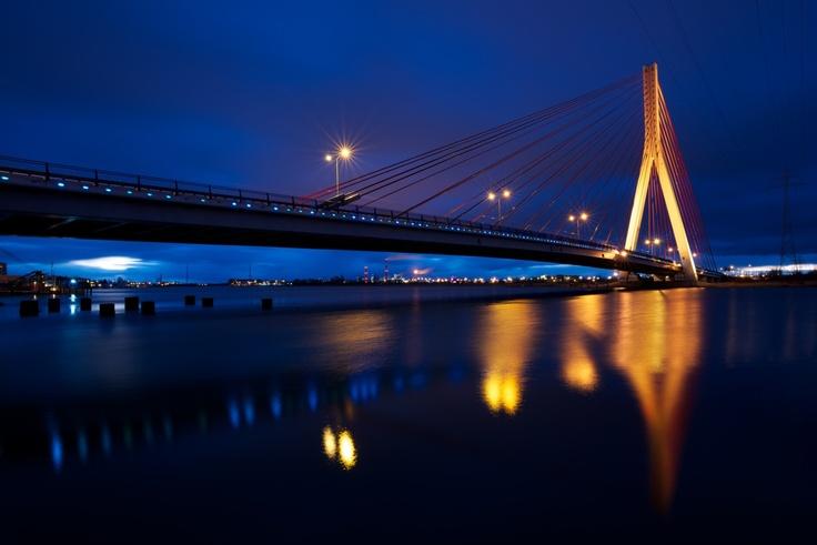 Most Wantowy im. Jana Pawła II (między Przeróbką a Stogami) / John Paul's II Cable-stayed #bridge, #gdansk #night | photo: Marcin Śmidowicz