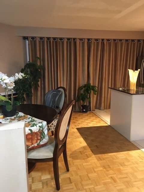 Beautiful, bright, good size furnished room on the 2nd floor avail from Nov. Private fridge & microwave. Prime location, walk to all amenties. Minites to Heartland. Bus stop right beside the house. 10″ to squareone, sheridan college. 30″ to lambton college, 45″ to pearson...