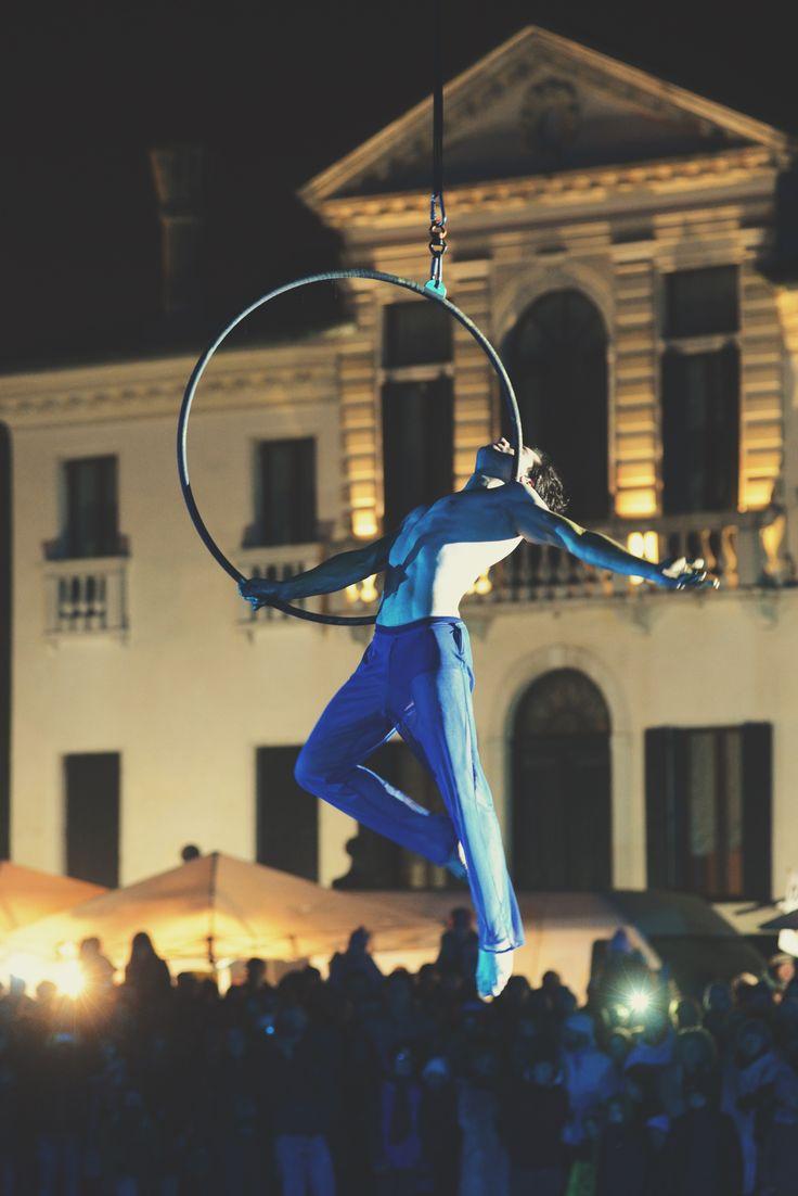 "Nico Gattullo performs aerial silks during his show ""DREAM"" over a venetian gondola on Naviglio Brenta in Mira (Venice). Ph. Angelo Frontin"