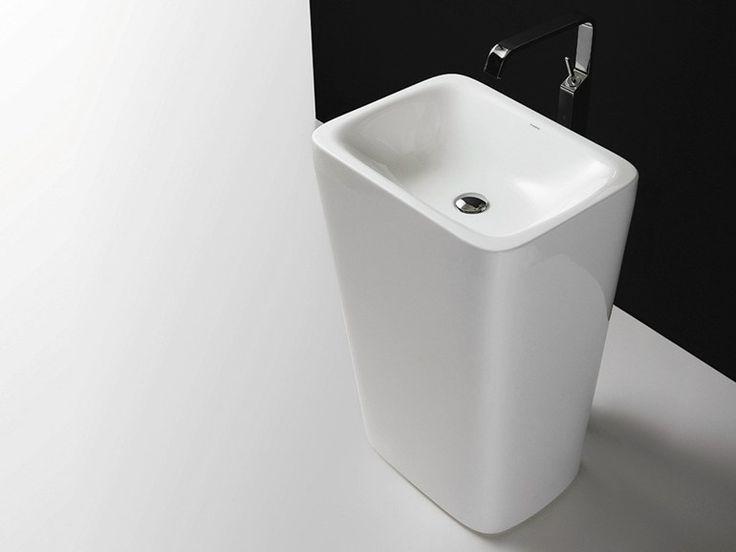 Free standing ceramic washbasin START 5 Start Collection by Valdama | design Monia Marzano