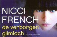 // Nicci French - De verborgen glimlach // Een jonge vrouw die de relatie met haar nieuwe vriend vanwege zijn gedrag heeft verbroken, ontdekt korte tijd later dat hij een relatie met haar zusje heeft.