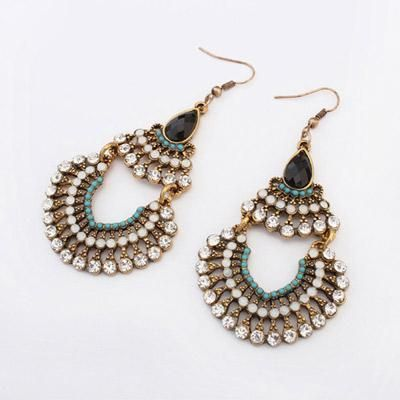 podotukushop_0A5B5C Anting Korea diamond decorated hollow out design