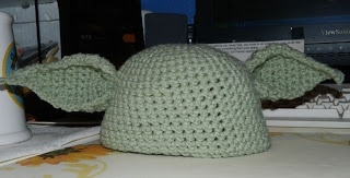 pattern for the ears: Tangled Threads and Random Thoughts: Crocheted Yoda Hat/Cap