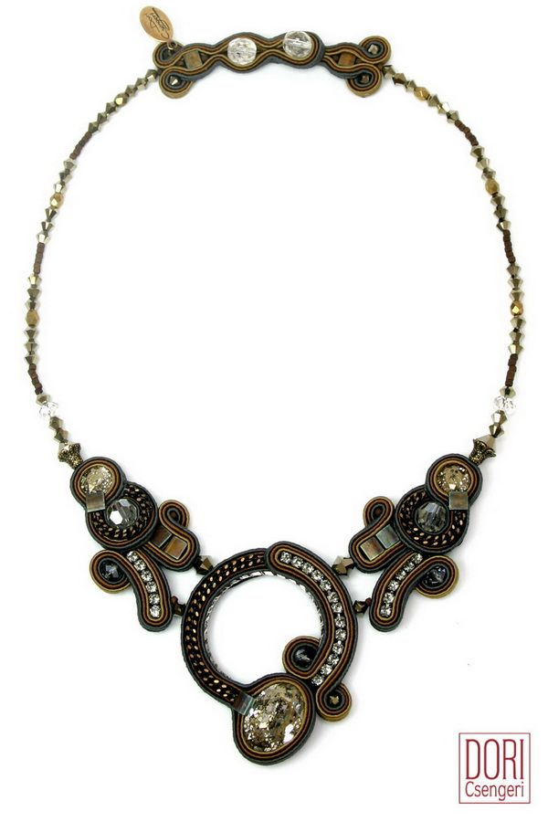 Embrace, a classically elegant necklace and a perfect choice when you want to easily transition from day to night! #doricsengeri #elegantnecklace #daytonight #couturejewelry #designerjewelry #brownnecklace