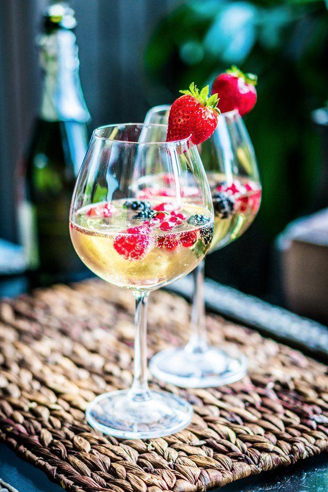 Les 25 meilleures id es concernant recettes de punch au for Cocktail au champagne