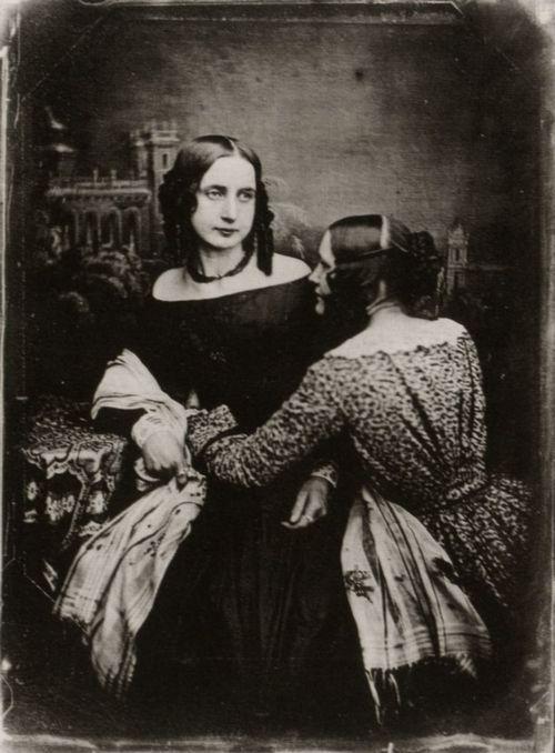 Woman in chair is deceased | Victorian memento mori ...