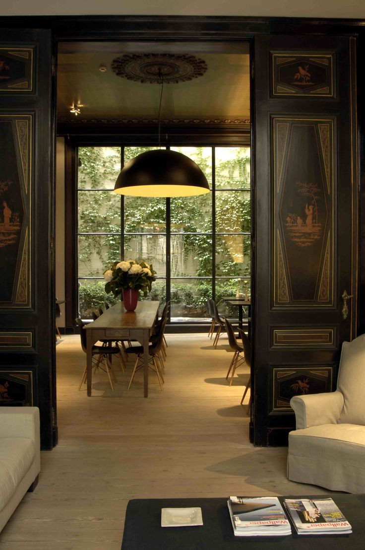 Hotel Julien is gelegen in het midden van Antwerpen. Het design van het hotel maakt dit een onvergetelijk verblijf.