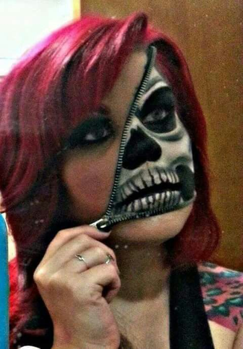 Skeleton zipper face girl