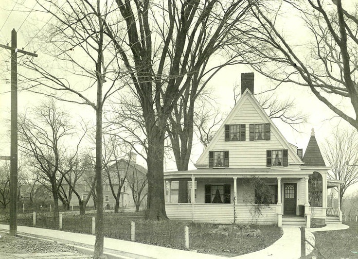 Abraham Glen House built in the 1730's is the 2nd oldest structure in Scotia. It's now the Scotia branch of the Schenectady County Public Library.  Photo between 1908-1920  Sorry to disappoint you but there never was a tunnel from here to Glen Sanders.  Shhhhh...   ;)