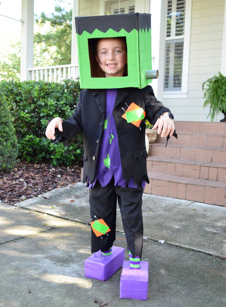 With a cardboard box and few craft items, you can make this freaky Frankenstein Halloween costume! #halloween #halloweencostumes