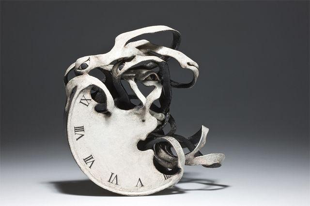 Spectacular Ceramic Sculptures Which Seem to Disintegrate http://designwrld.com/spectacular-ceramic-sculptures/