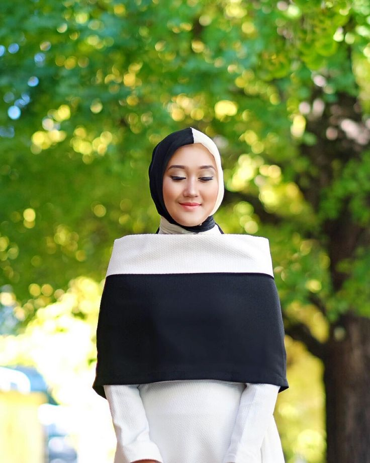Dian Pelangi |  Wearing #Simulacrum collection from @hanniehananto exclusively