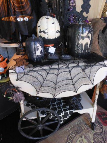 halloween display at shabby cottage as seen in retail details blog post 10 16 - Halloween Display Ideas