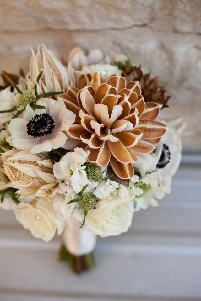 Свадебный букет в бежево-коричневых тонах
