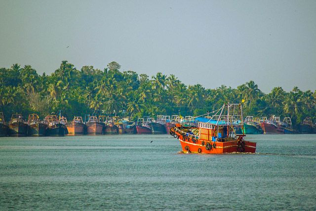 Kollam or Quilon is an old sea port town on the Arabian coast , stands on the Ashtamudi lake. It was previously known as Desinganadu and had a sustained commercial reputation from the days of the Phoenicians and the Romans.
