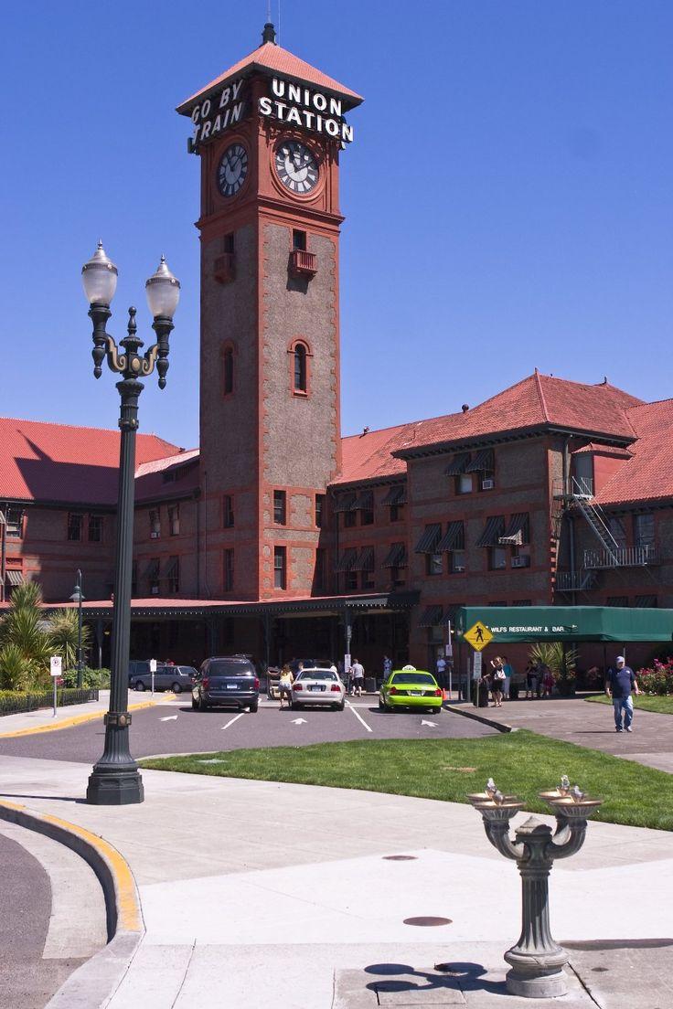 train station, Portland, Oregon