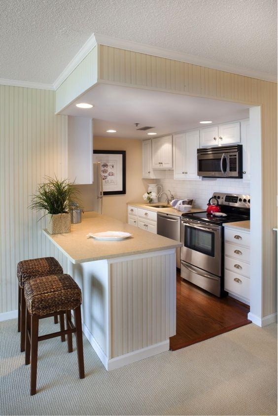 Cocina moderna color claro cocinas pinterest colores for Amoblar departamentos pequenos