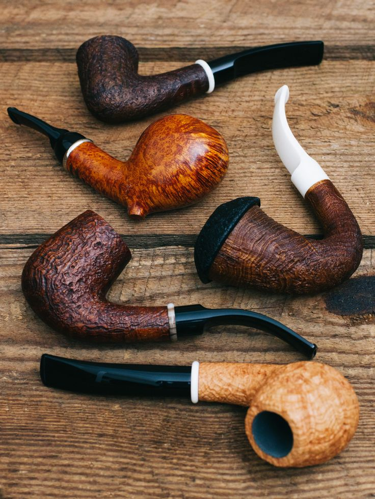 Neptune? Icarus? Classic? Oh my. All BriarWorks pipes are now BriarWorks pipes (and theres 20 of them on site now). http://smokingpip.es/2eAHwRQ