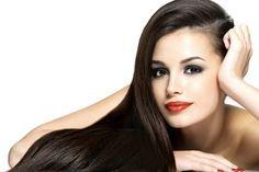 Cuatro remedios caseros para el cabello graso