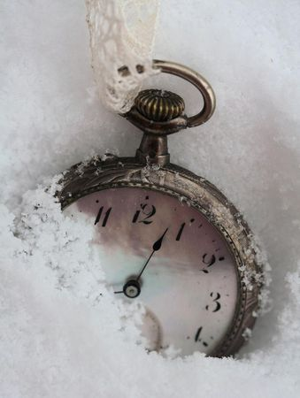 Time is running, times are shelled,     minutes after seconds     much like falling flakes that melt ...
