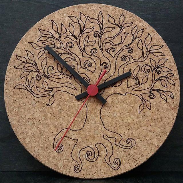 Wanduhr – Baum des Lebens. ,,,, #holz #holz #handwerk #handwerk #austria …,