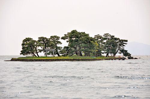 Yomegashima. Looking for more information aboout Shimane? Go Visit Matsue Tourist Association.  http://www.kankou-matsue.jp/