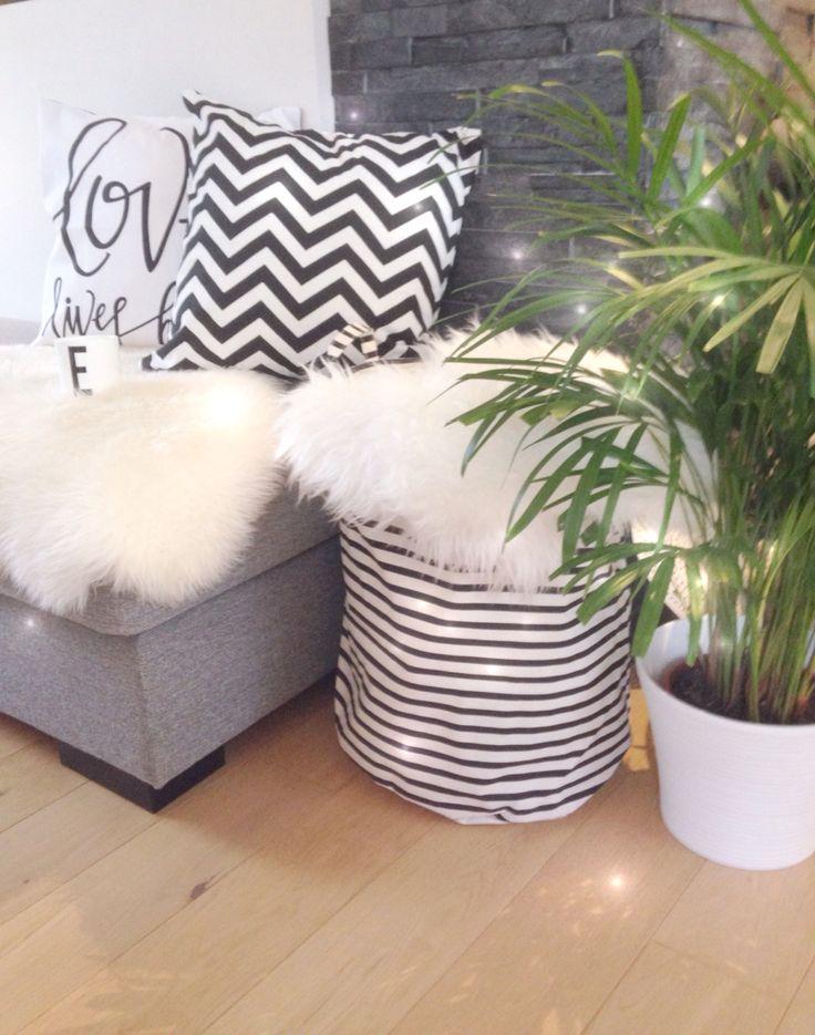Black & white...Love it.my Home. @anitataranger on instagram