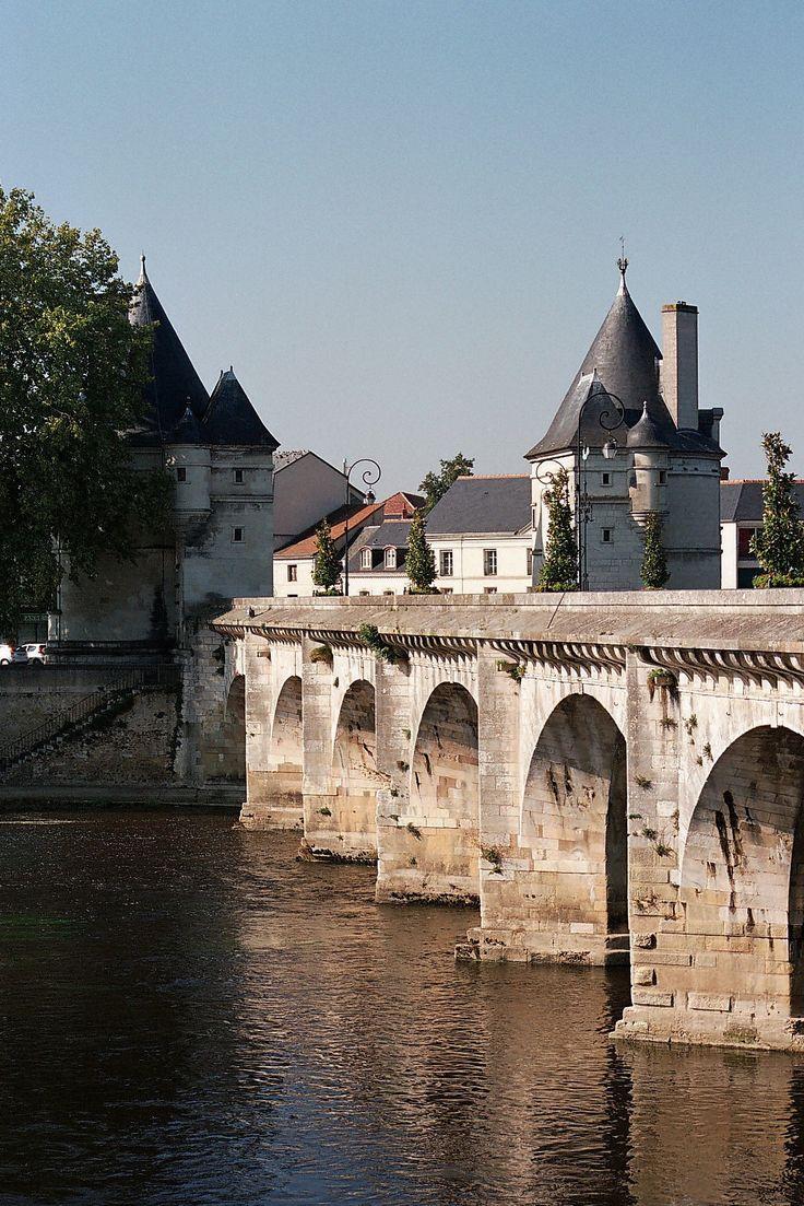 Pont Henri IV et les Tours, Châtellerault, Vienne