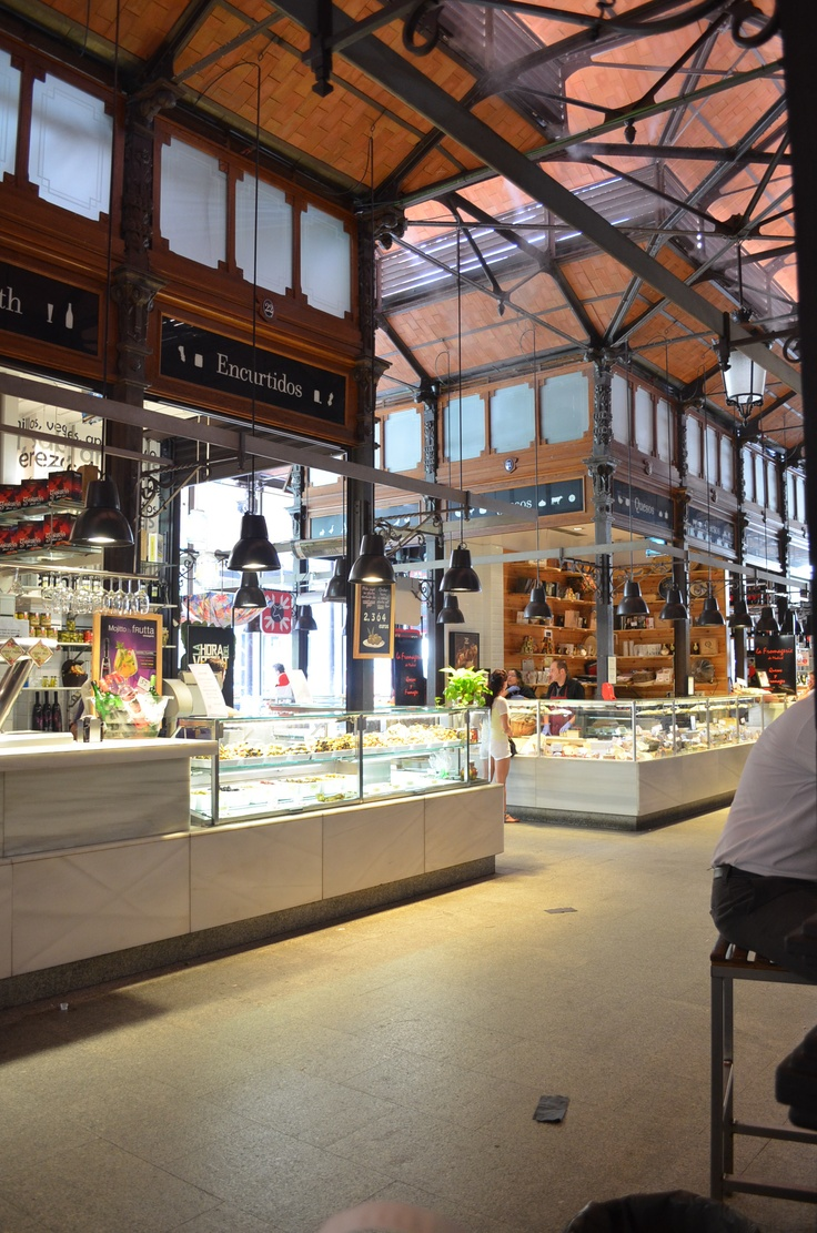 Smithfields style layout at Mercado San Miguel Madrid