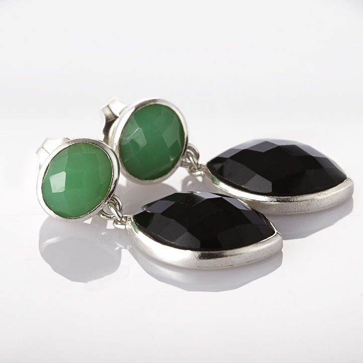 Onyx is a birthstone for Leo! Get these Black Onyx Drop Earrings | R1600 | http://bit.ly/1usopOE