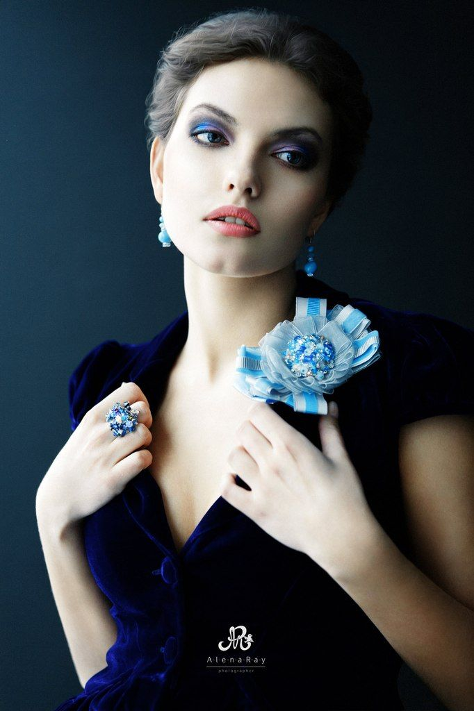 Bow  (brooch) - ribbons and beads,  ring - Swarovski crystals,  earrings - Swarovski pearls.  Designed by Yulia Logvinova.
