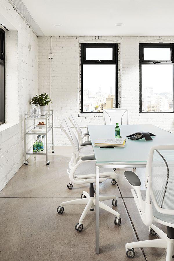 Diffrient World White Office Chair