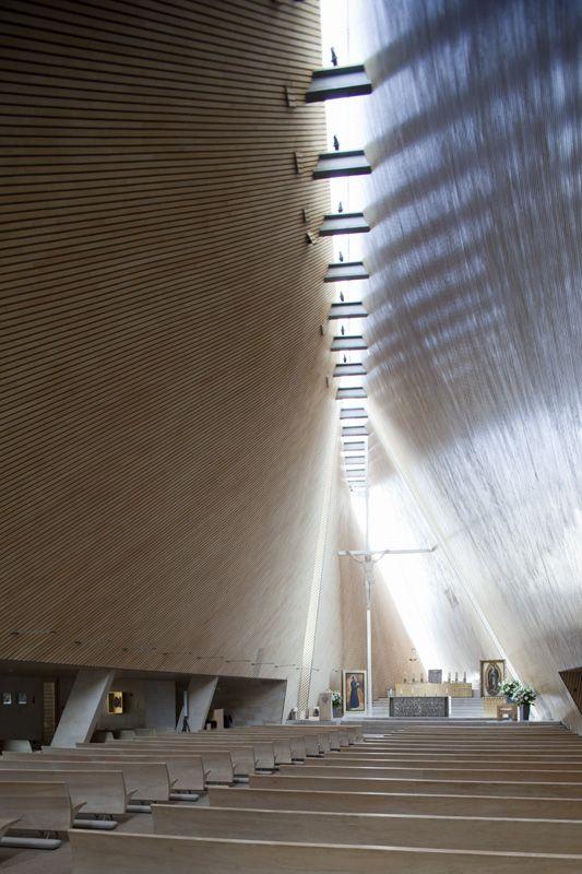 San Josemaría Escrivá Church by Javier Sordo Madaleno Bringas