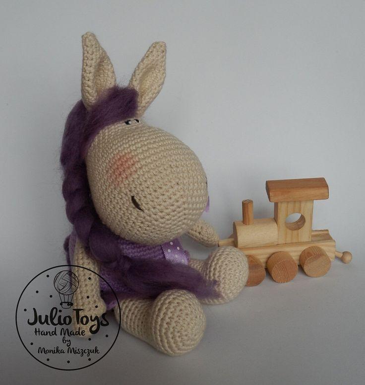 Irati crochet pony - PDF patten by JulioToys on Etsy https://www.etsy.com/listing/224898752/irati-crochet-pony-pdf-patten