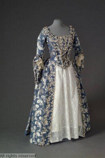 Dress, 1750-1775. Mode Museum.